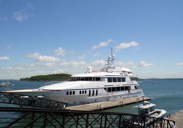 Yacht by Sharon Weinsheimer pdp