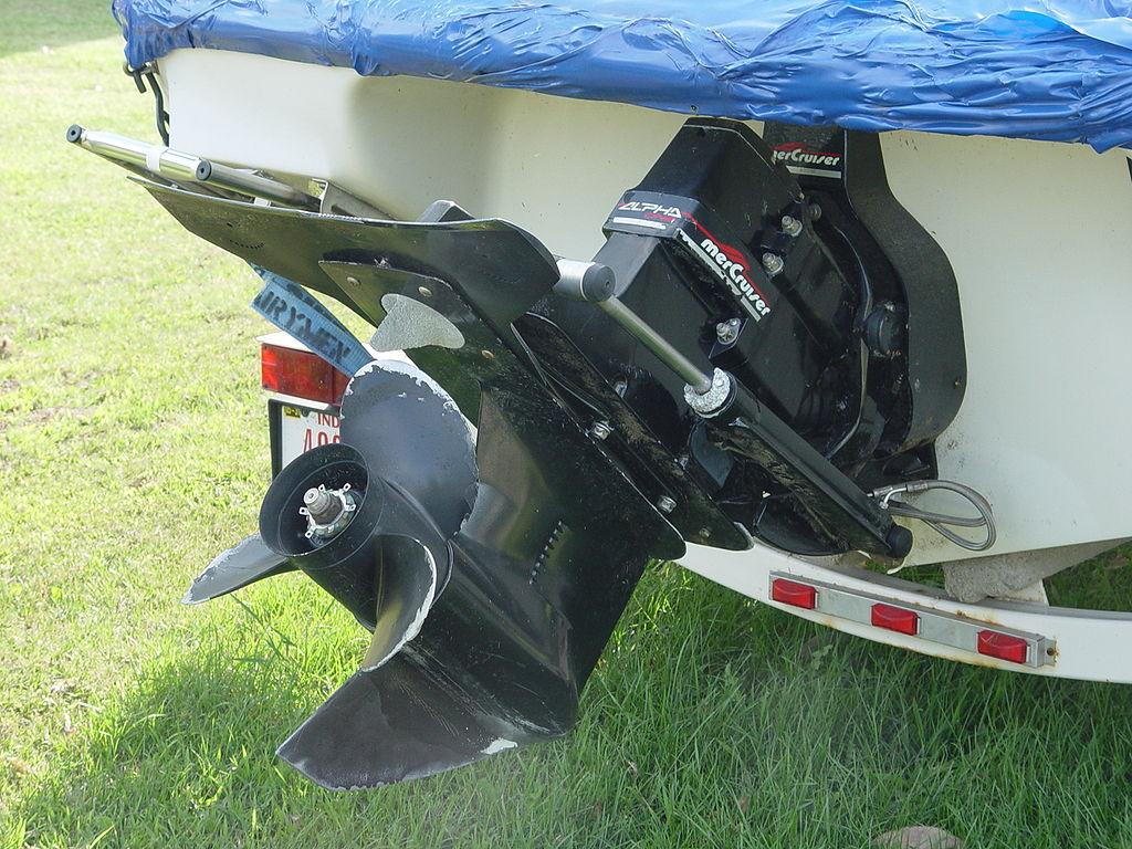 Sterndrive Vs Outboard Boat Motors